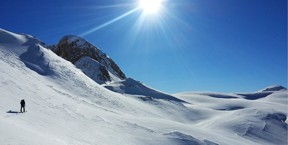 Mitja sous le col en Slovenie a ski de randonnee