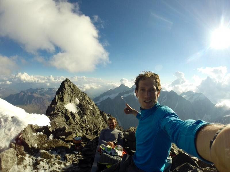 Climbing the Mont Blanc from the Italian side on the full Brouillard ridge