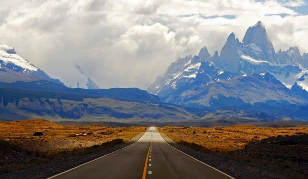 El Chalten famous mountain line