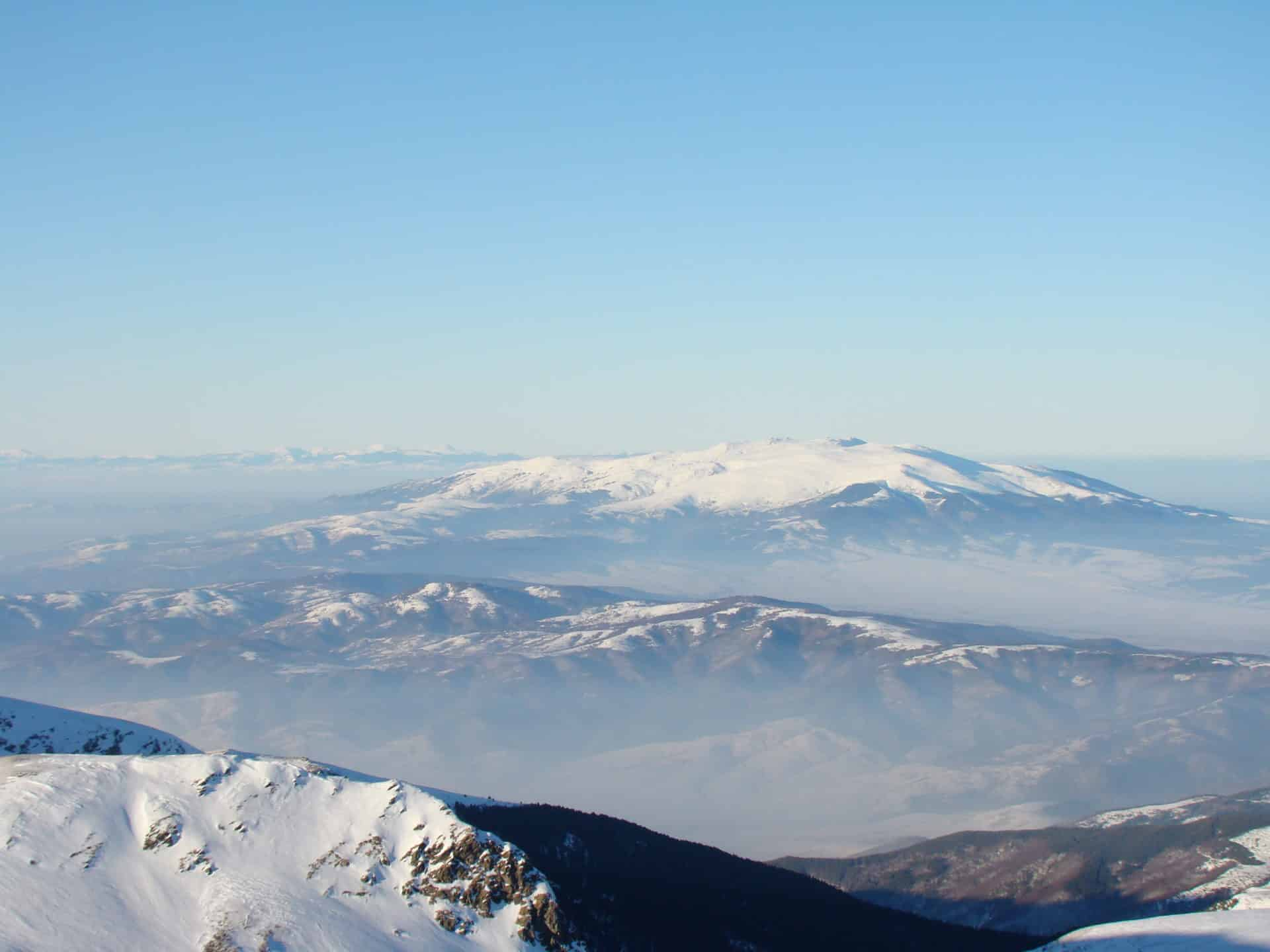 1-day snowshoeing to the top of Vitosha mountain. 1-day trip. UIMLA leader