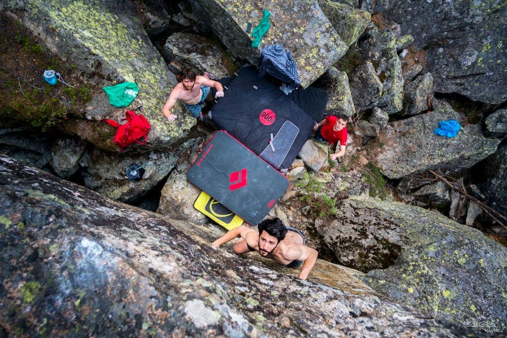 Bouldering in Aiguilles des Posettes, Chamonix